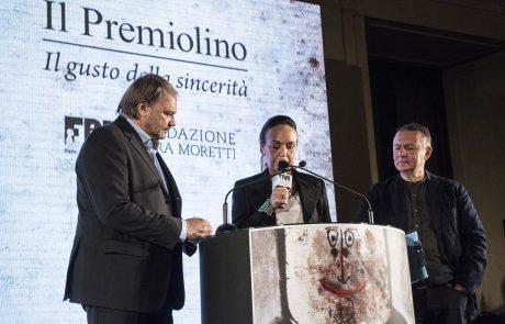 Marco Zizola (premiato) con i giurati Chiara Beria di Argentine e Piero Colaprico