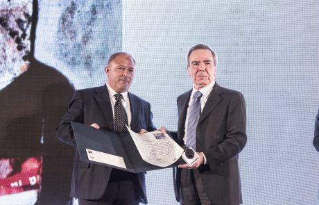 Michele Albanese (premiato) e Giulio Anselmi (giurato) 3