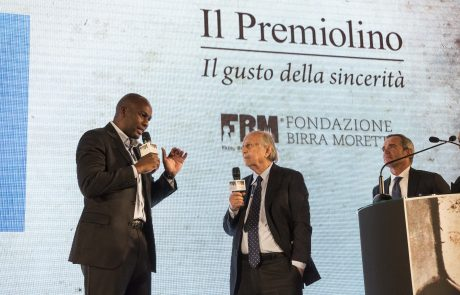 Matteo Fraschini Koffi (premiato) con Giancarlo Galli e Alfredo Pratolongo (giurati)