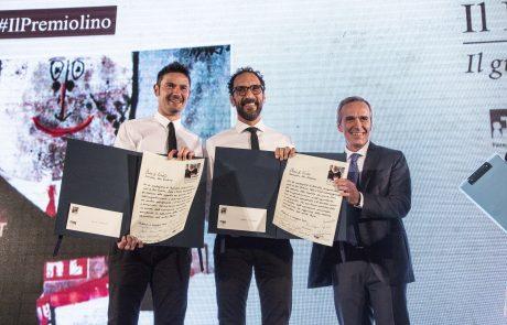 Fede & Tinto (premiati) con Alfredo Pratolongo (vice presidente Fondazione Birra Moretti e giurato)