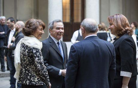 Giulio Anselmi (giurato) con la moglie e, di spalle, Michele Albanese (premiato) e la moglie